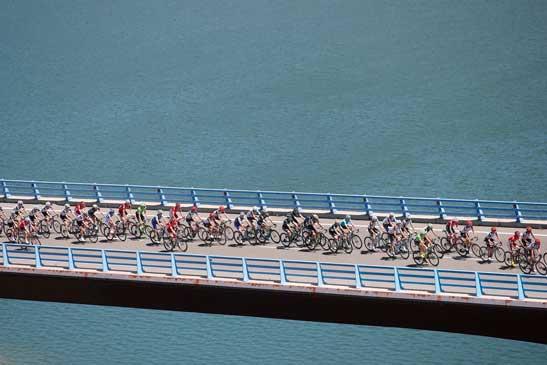 Un puente al Futuro, la Educación con el ciclismo